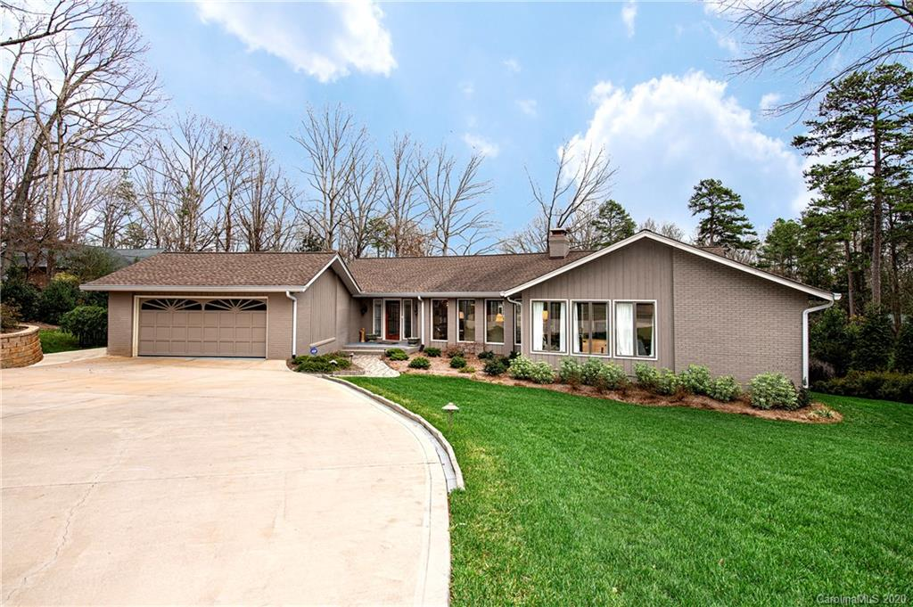 $700,000 - 4Br/5Ba - for Sale in River Hills, Lake Wylie