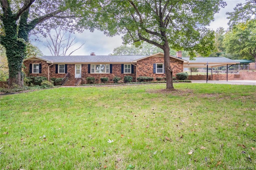 $669,999 - 3Br/3Ba - for Sale in Briarwood, Fort Mill