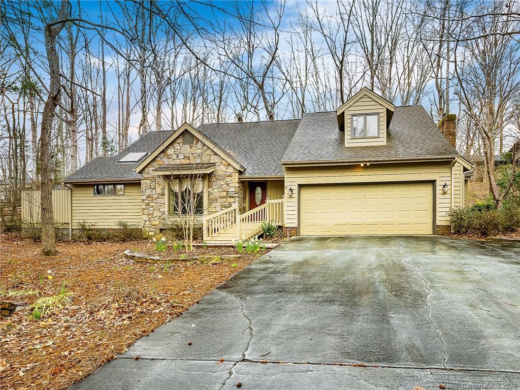 $375,000 - 3Br/3Ba - for Sale in River Hills, Clover