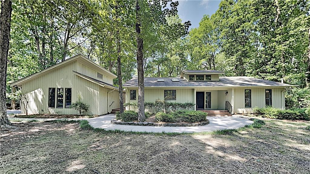 $418,900 - 3Br/4Ba - for Sale in River Hills, Lake Wylie