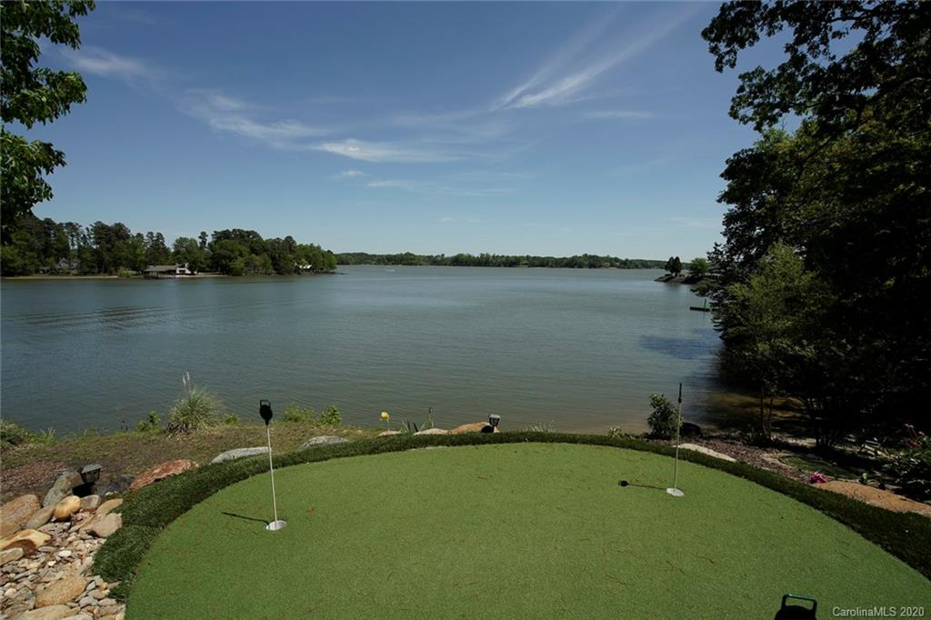 $863,000 - 3Br/5Ba -  for Sale in Liberty Hill, Lake Wylie