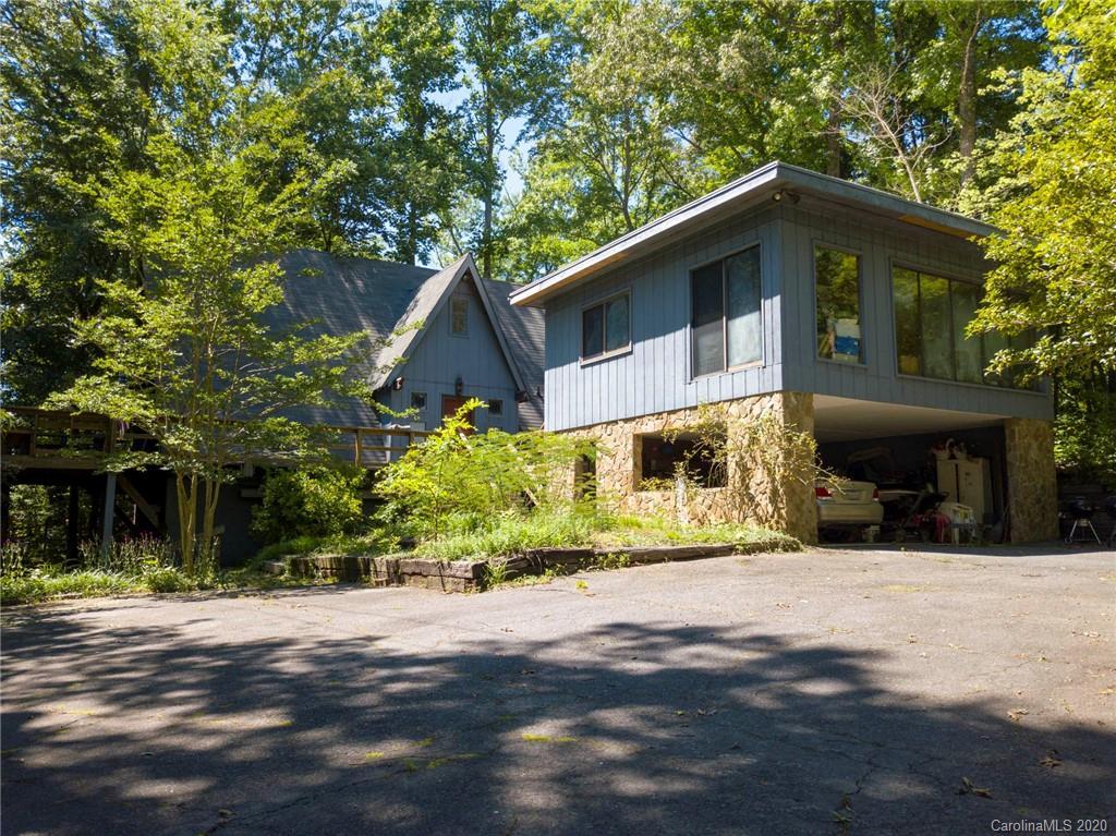 $750,000 - 4Br/3Ba -  for Sale in None, Charlotte