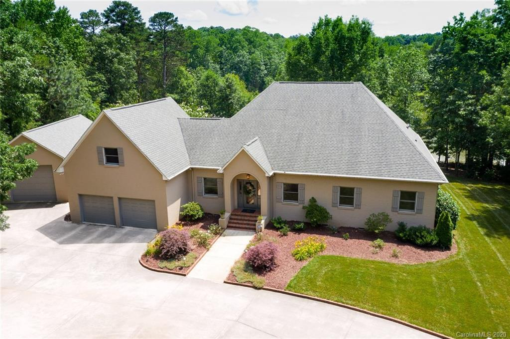 $950,000 - 3Br/3Ba - for Sale in None, Clover