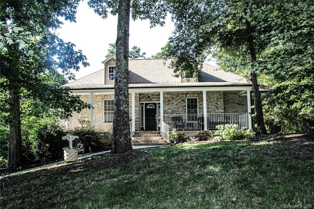 $689,900 - 3Br/3Ba - for Sale in Tioga Pointe, Lake Wylie