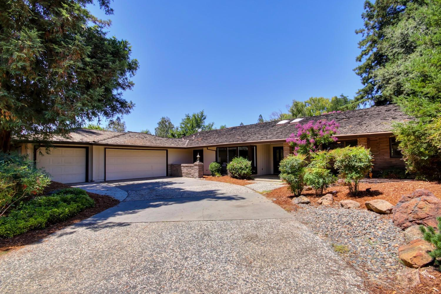 $995,000 - 5Br/3Ba -  for Sale in El Macero