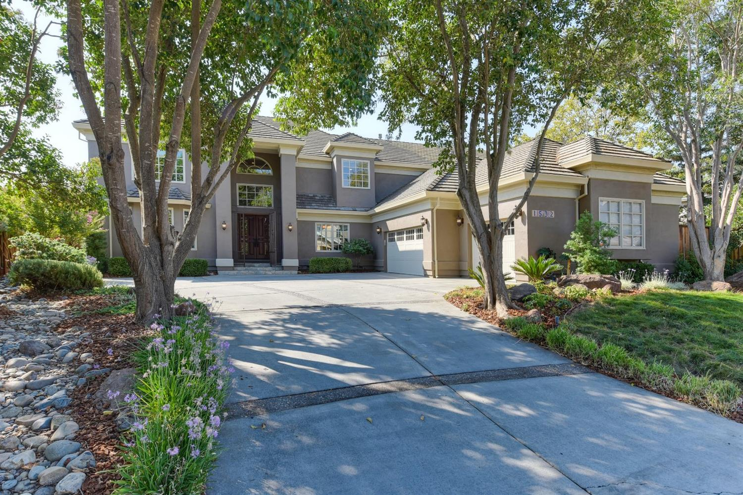 $1,950,000 - 3Br/4Ba -  for Sale in Oakshade, Davis