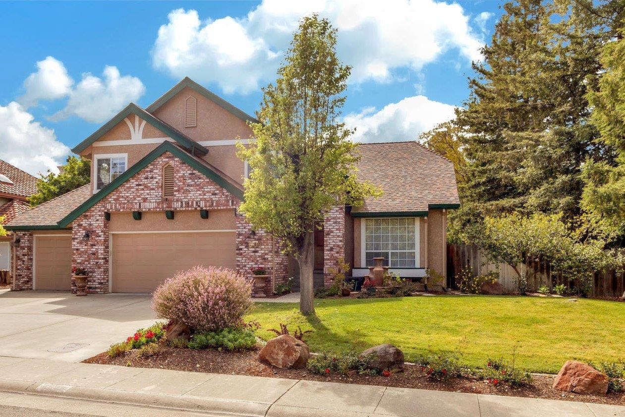 $799,000 - 4Br/3Ba -  for Sale in Covell Farms, Davis