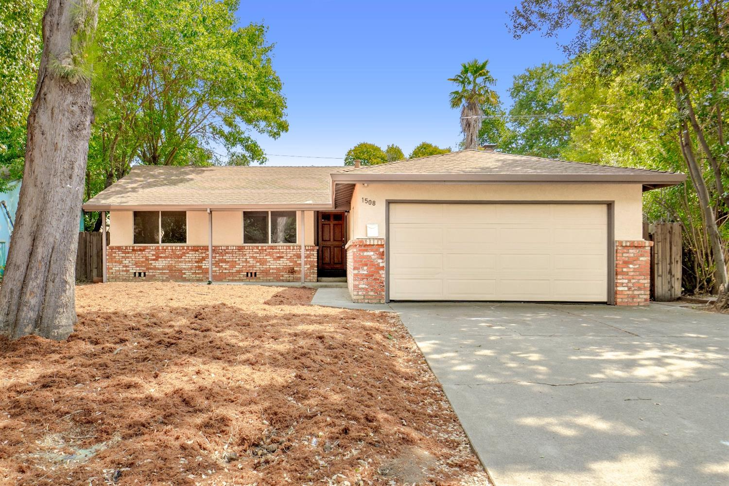 $515,000 - 4Br/2Ba -  for Sale in Davis