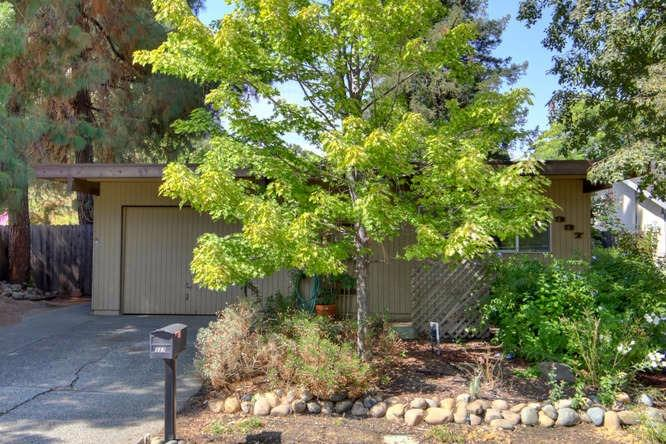$599,000 - 4Br/2Ba -  for Sale in