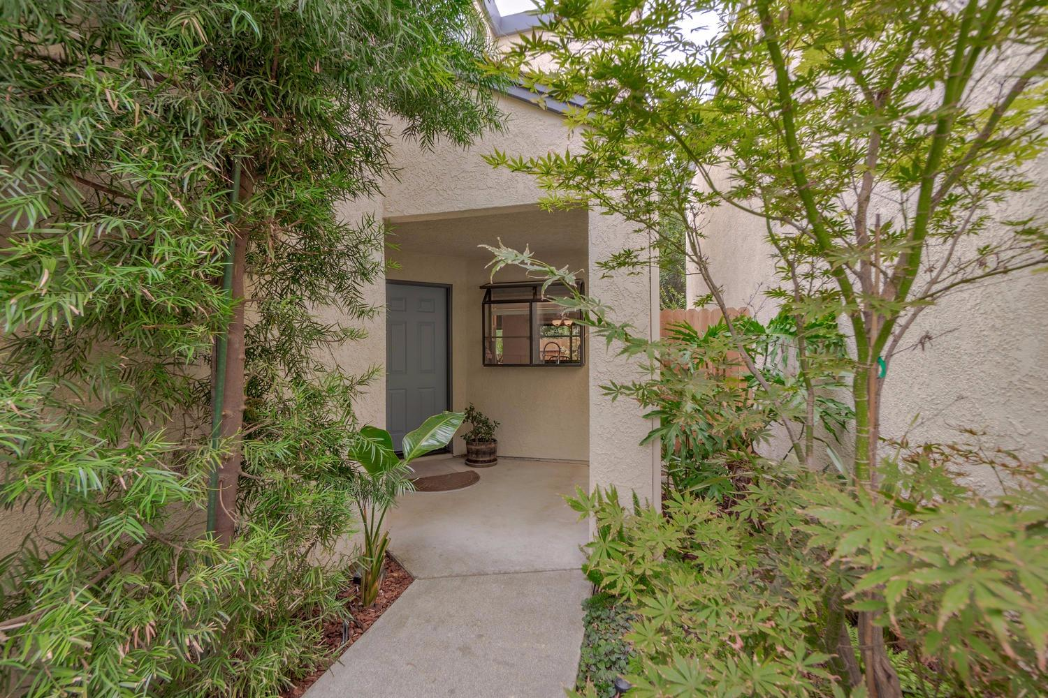 $497,000 - 3Br/3Ba -  for Sale in Davis