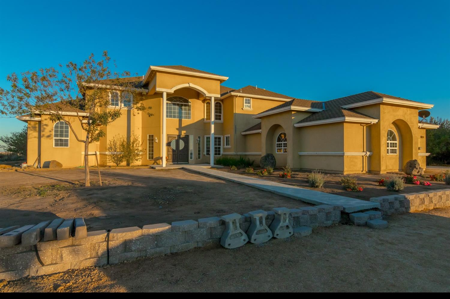 $2,400,000 - 4Br/4Ba -  for Sale in Manteca