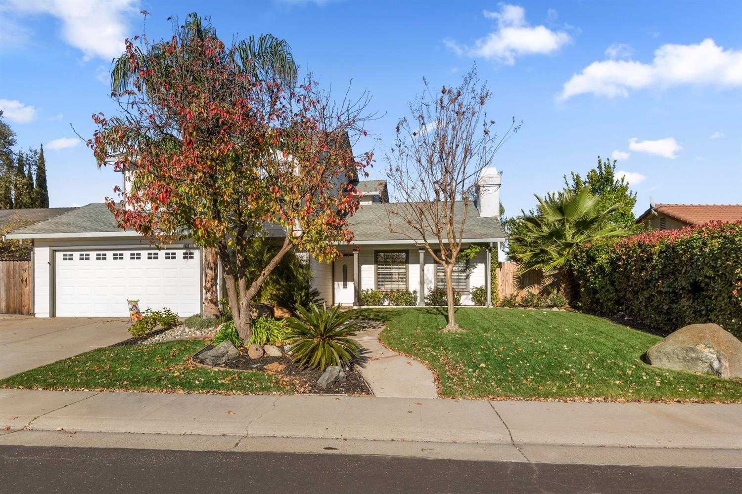 $460,000 - 4Br/3Ba -  for Sale in Roseville