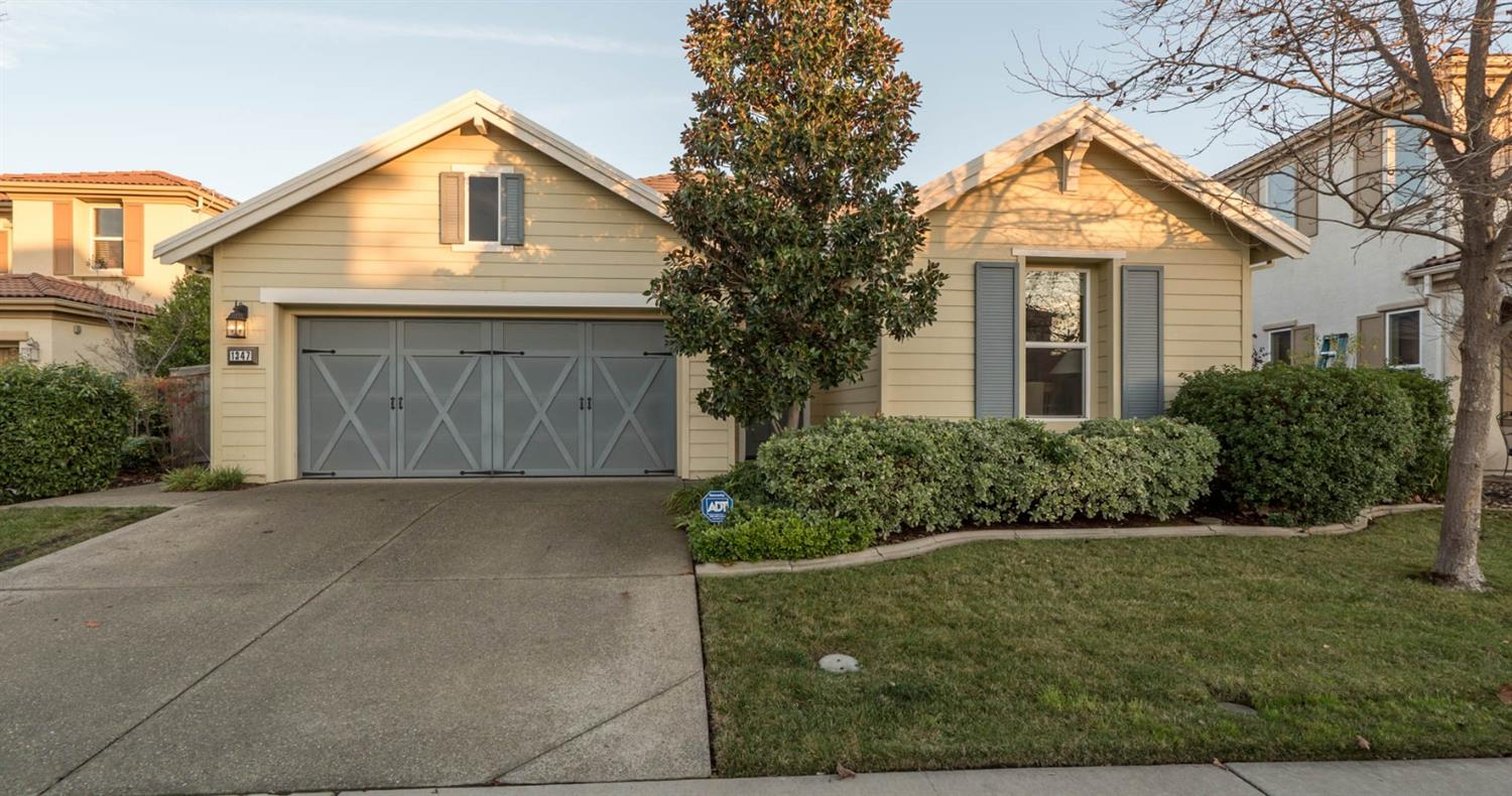 $400,000 - 4Br/3Ba -  for Sale in Lincoln
