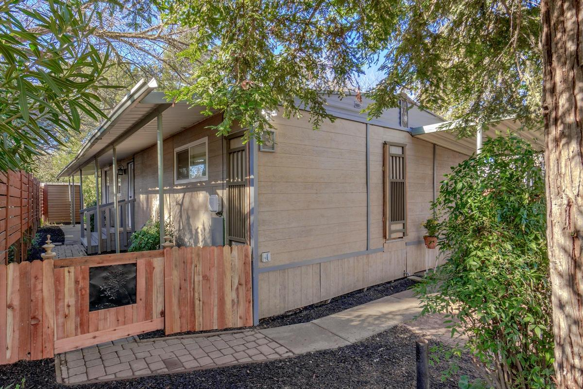 $149,900 - 2Br/2Ba -  for Sale in Davis