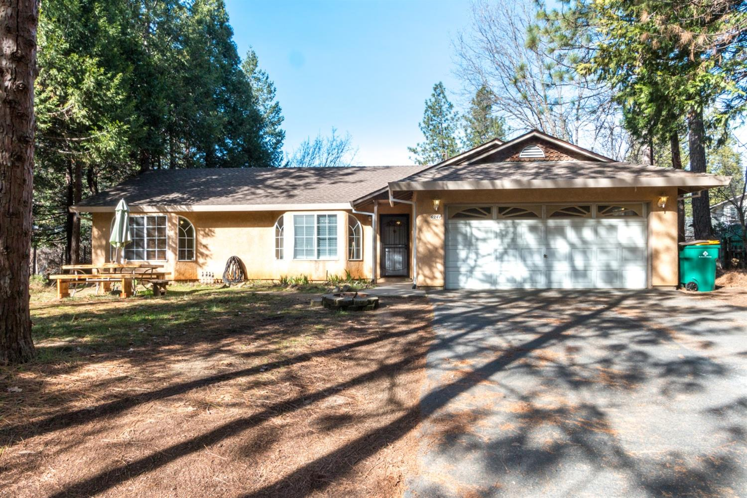 $305,000 - 3Br/2Ba -  for Sale in Pollock Pines