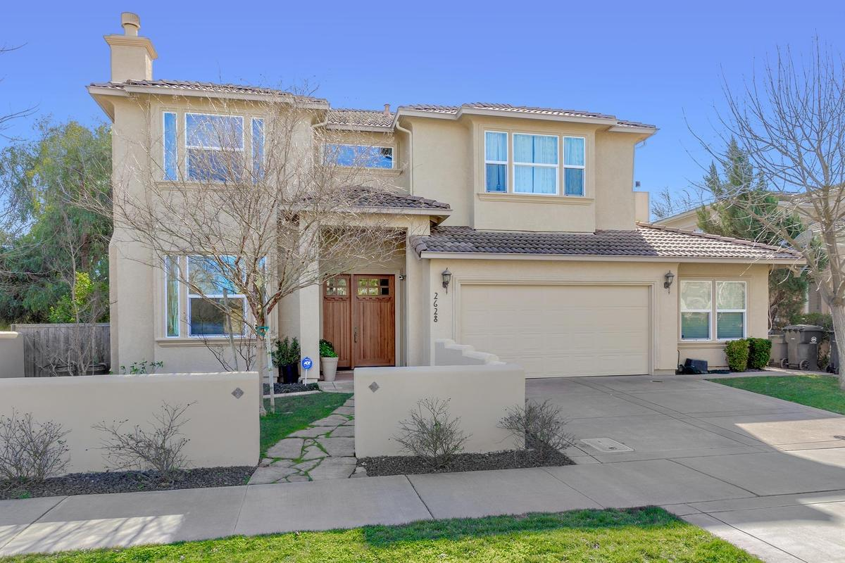 $998,000 - 5Br/3Ba -  for Sale in Davis
