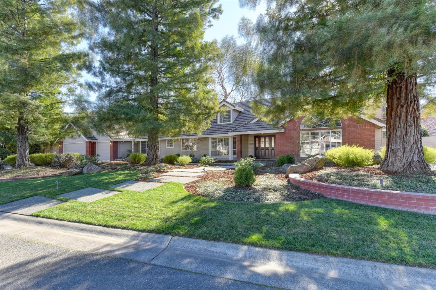 $1,050,000 - 4Br/3Ba -  for Sale in El Macero, El Macero