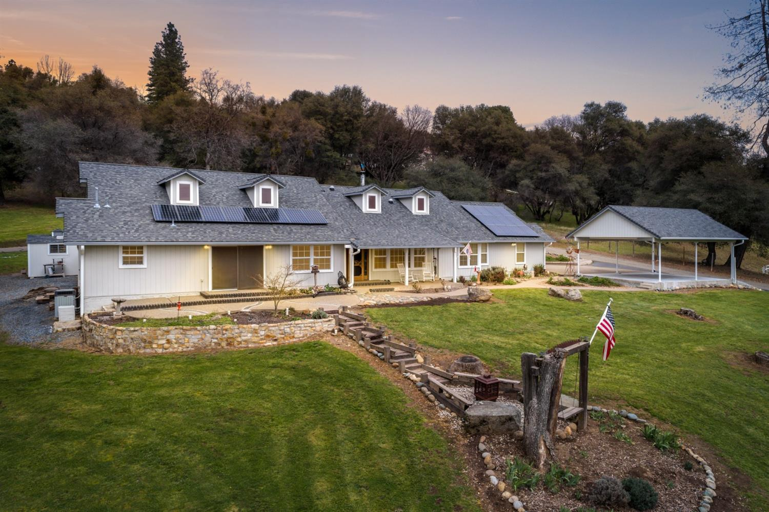$589,900 - 4Br/3Ba -  for Sale in Placerville