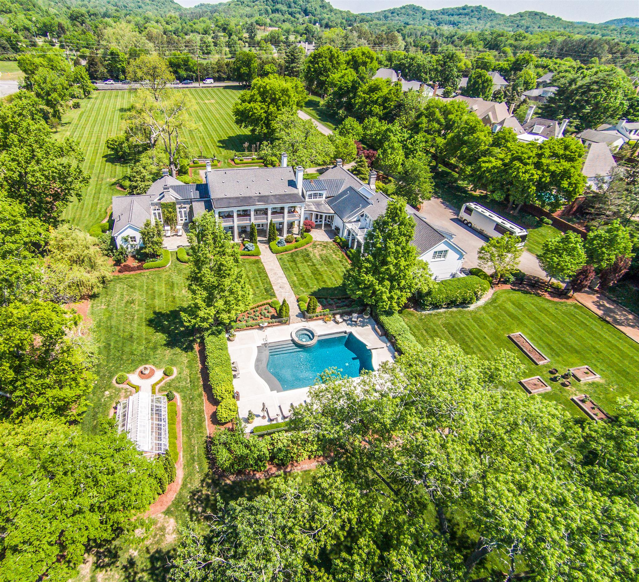 $7,800,000 - 7Br/10Ba -  for Sale in 16 Acres, Nashville