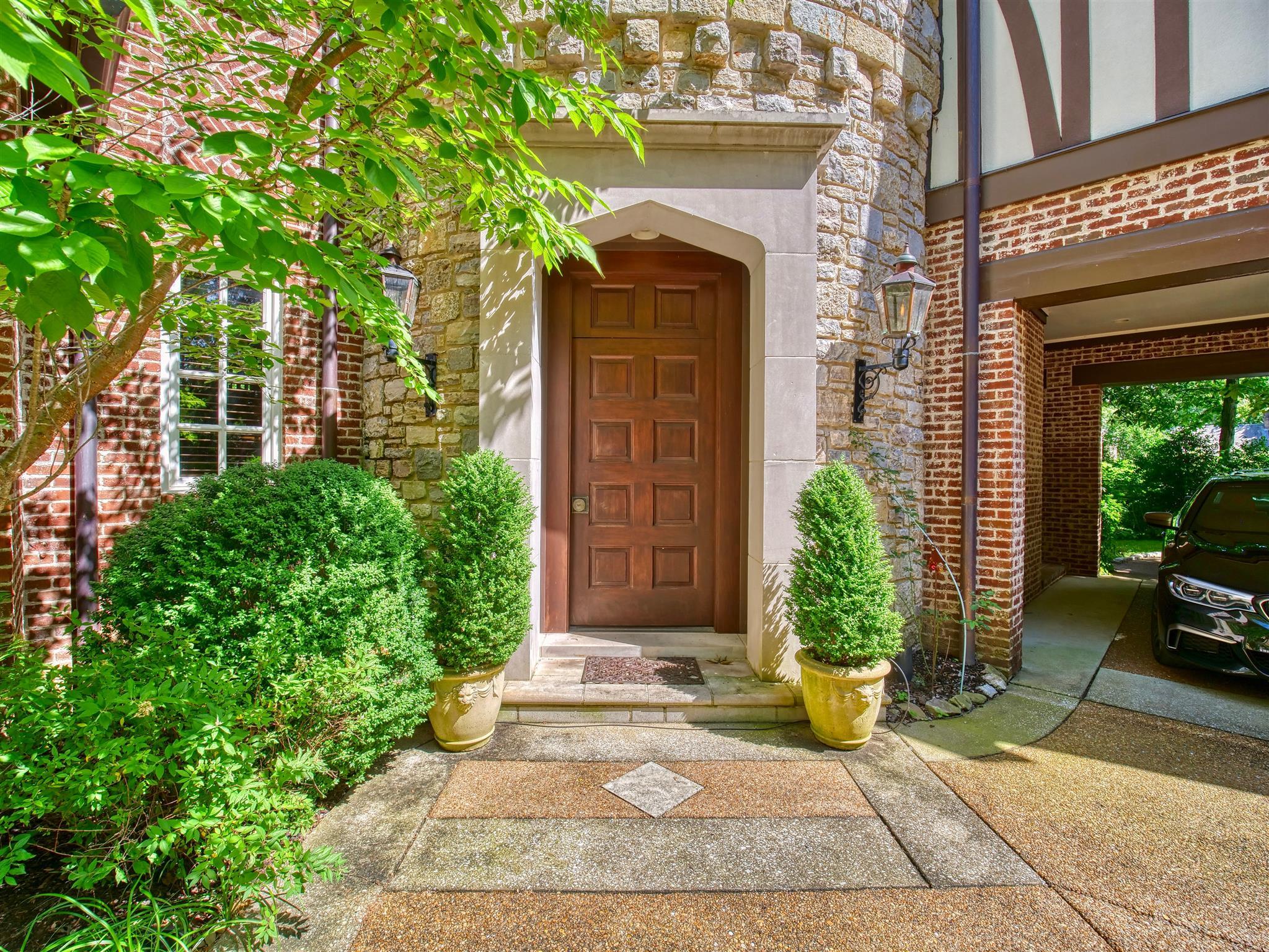 $2,750,000 - 6Br/8Ba -  for Sale in Belle Meade, Nashville