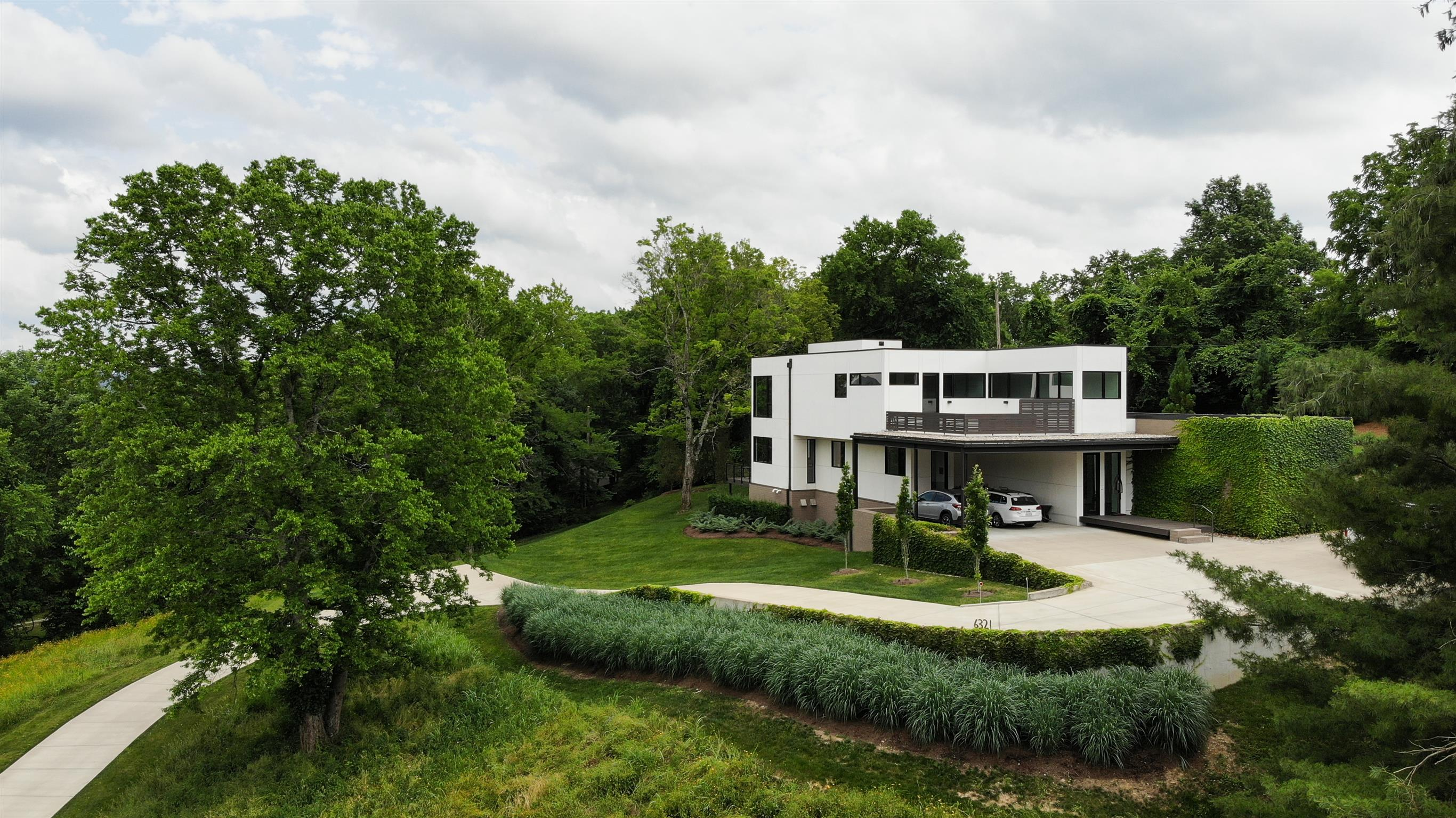 $2,345,000 - 3Br/4Ba -  for Sale in West Meade Estates, Nashville