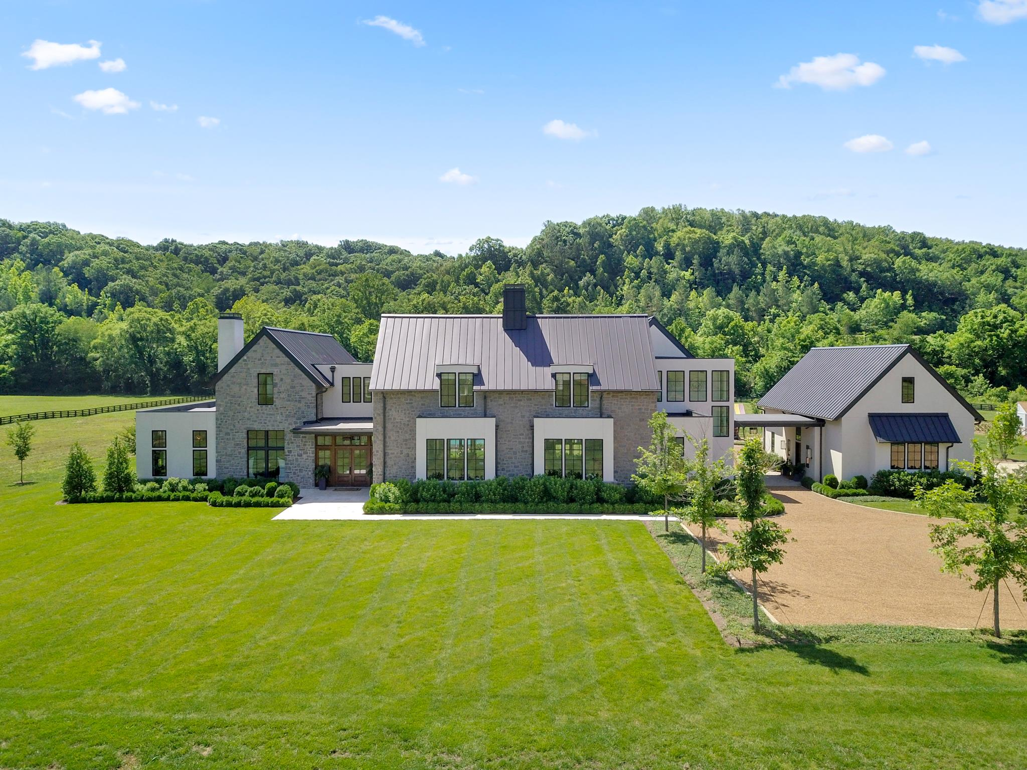 $6,425,000 - 5Br/7Ba -  for Sale in Leipers Fork, Franklin