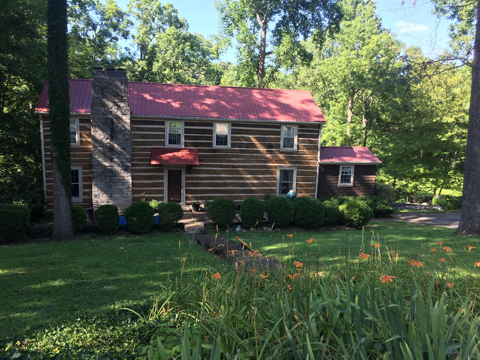 $334,900 - 3Br/3Ba -  for Sale in Ridge Top Lake, Greenbrier