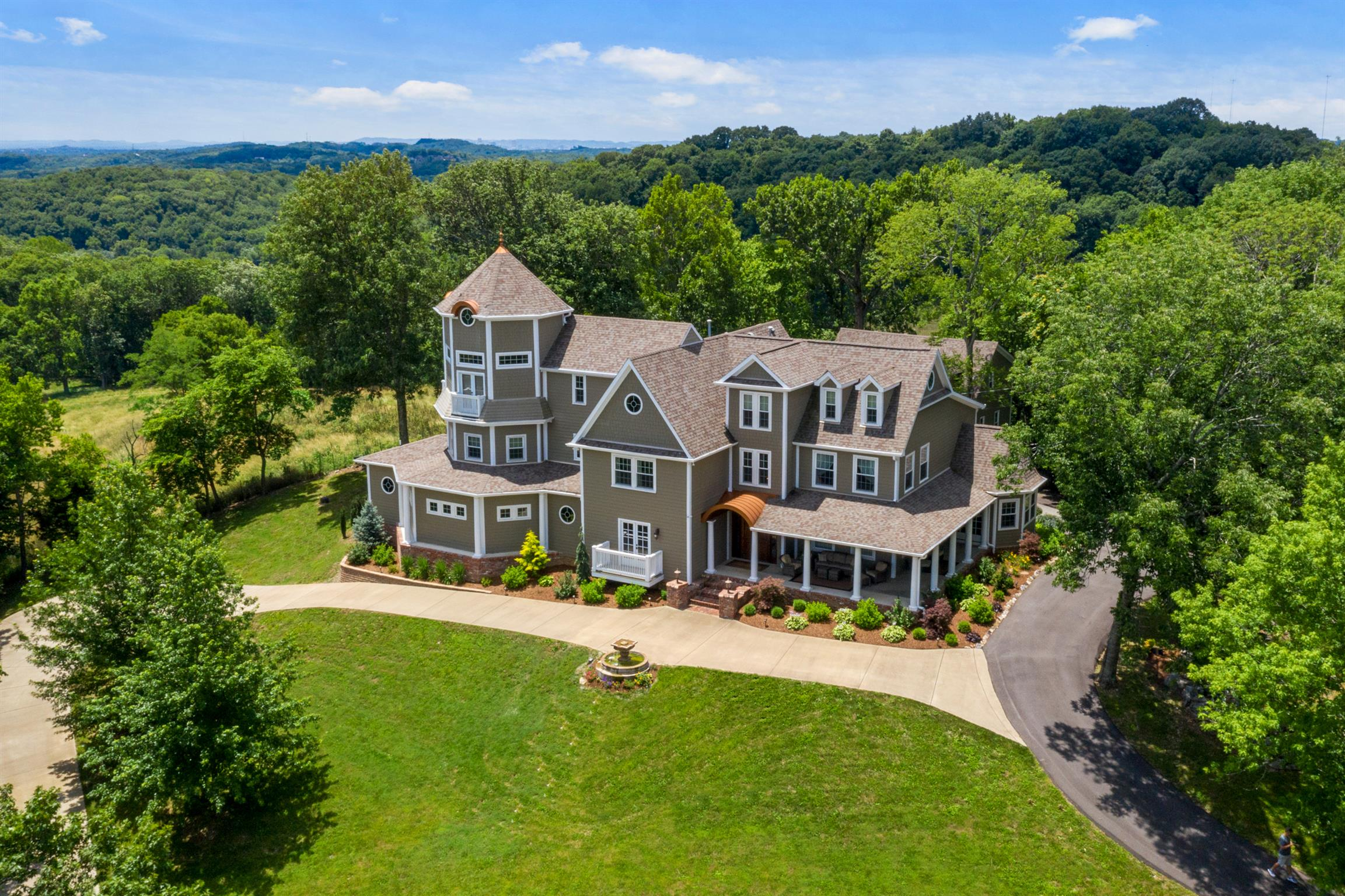 $1,795,000 - 5Br/7Ba -  for Sale in M O Shane Property, Goodlettsville