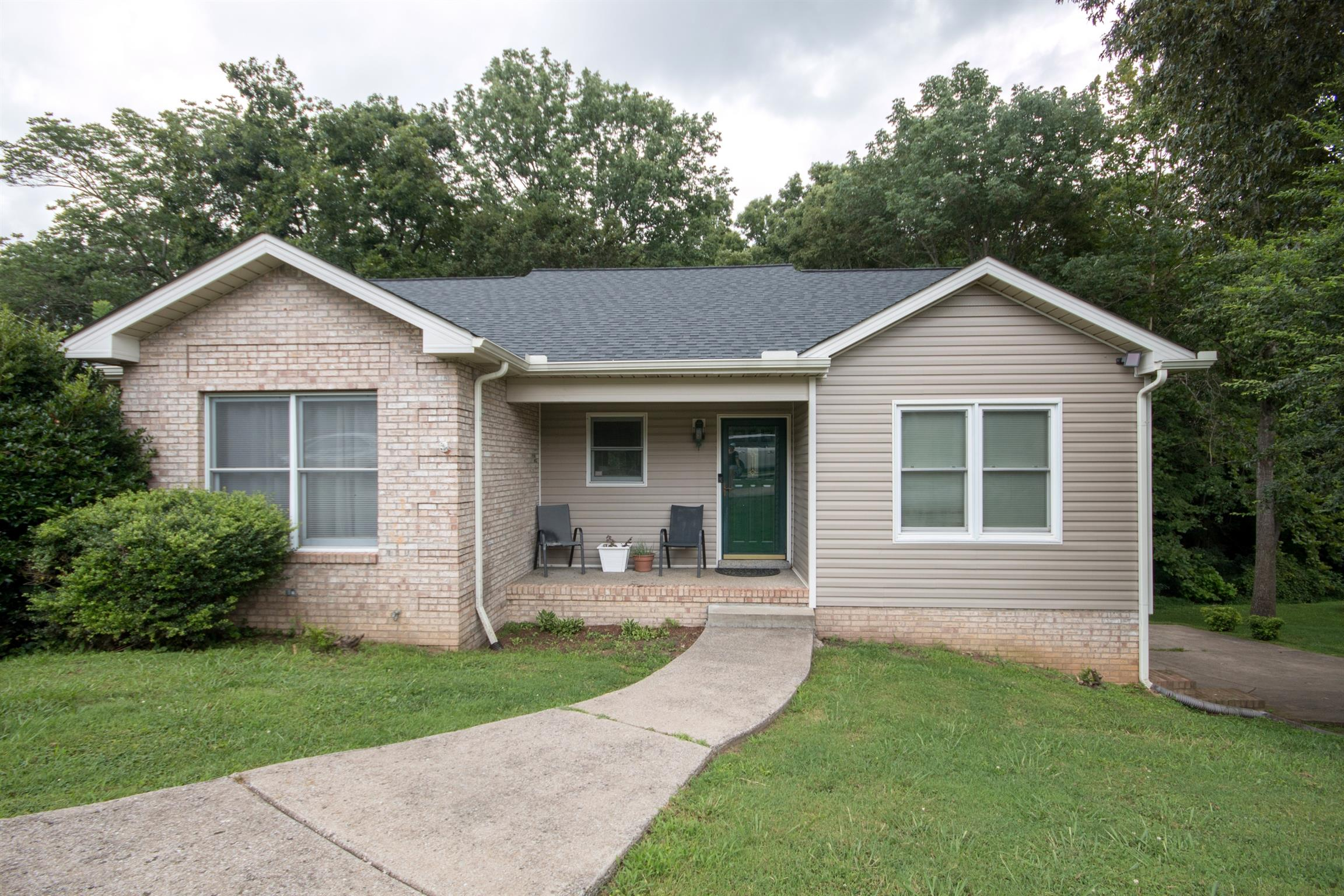 $242,900 - 4Br/3Ba -  for Sale in Stonehenge Subd, Greenbrier