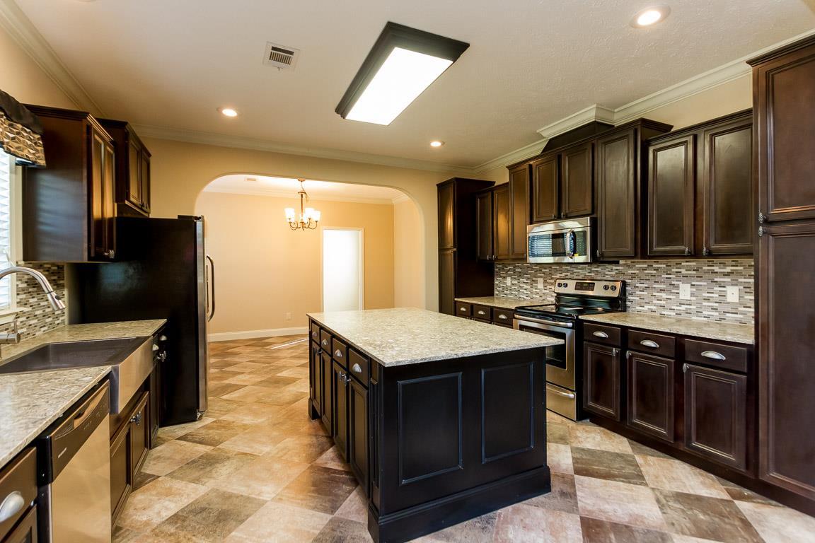 $329,900 - 3Br/3Ba -  for Sale in Forks Of The Road Estate, Kingston Springs