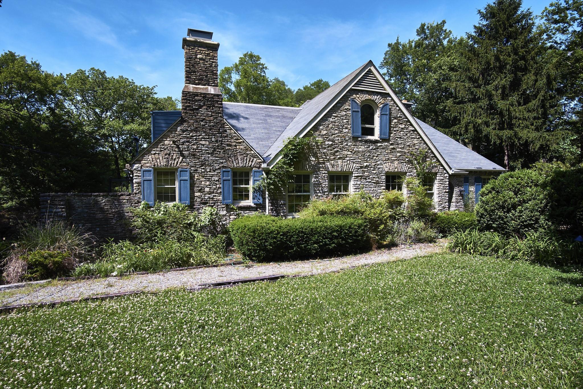 $3,200,000 - 5Br/3Ba -  for Sale in Green Hills, Nashville