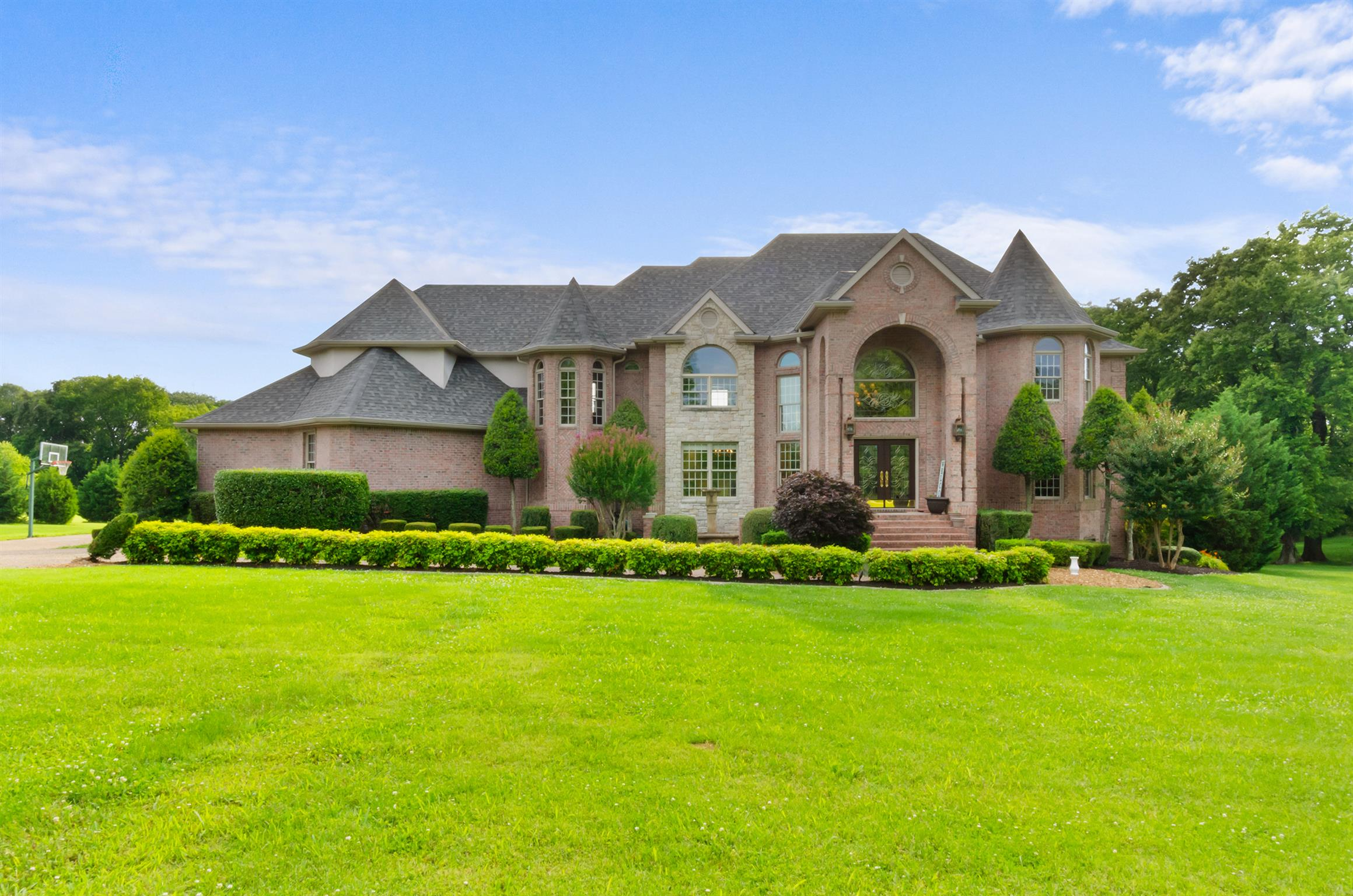 $975,000 - 5Br/6Ba -  for Sale in Palmer West, Lebanon