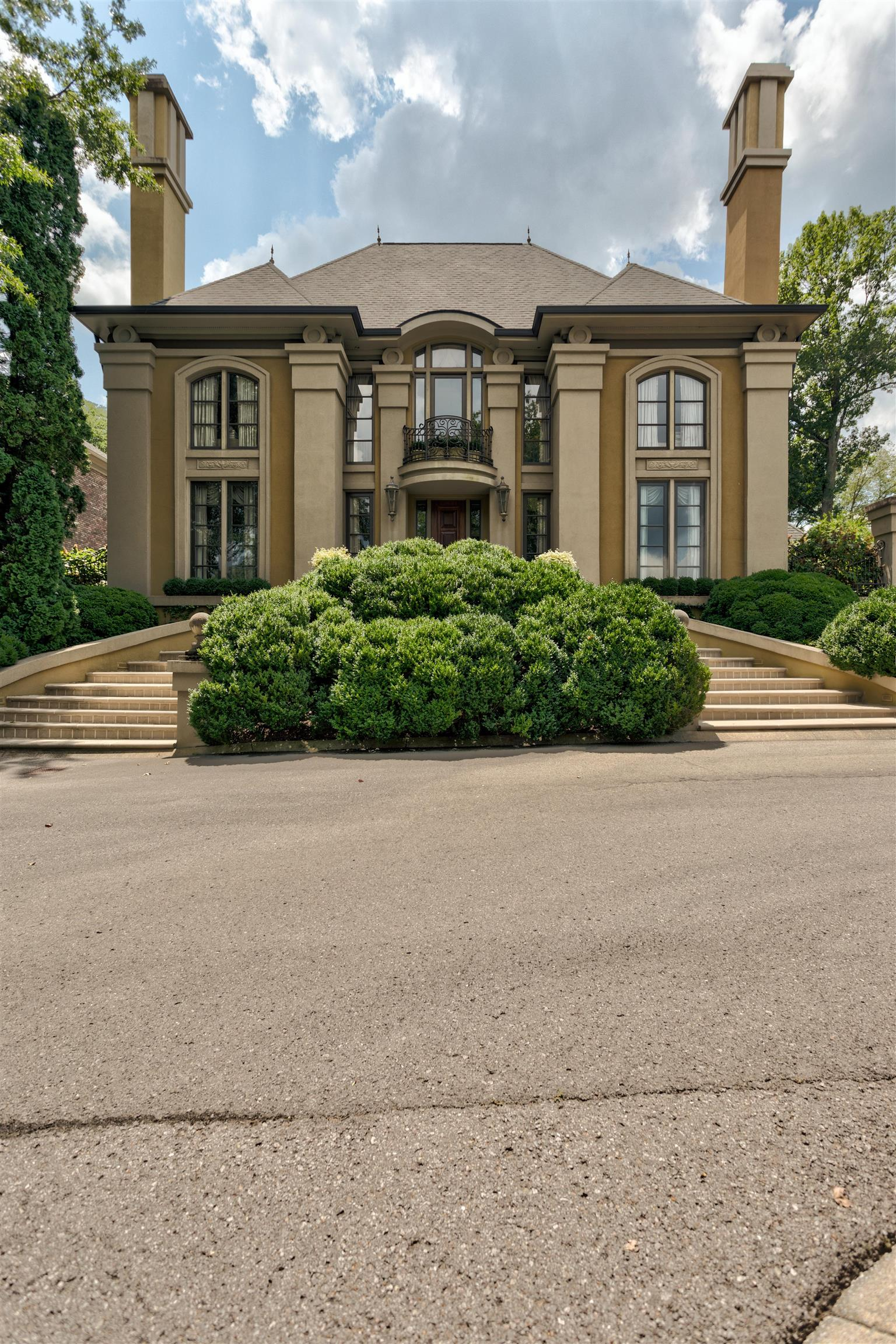 $2,265,500 - 3Br/4Ba -  for Sale in Abbottsford, Nashville