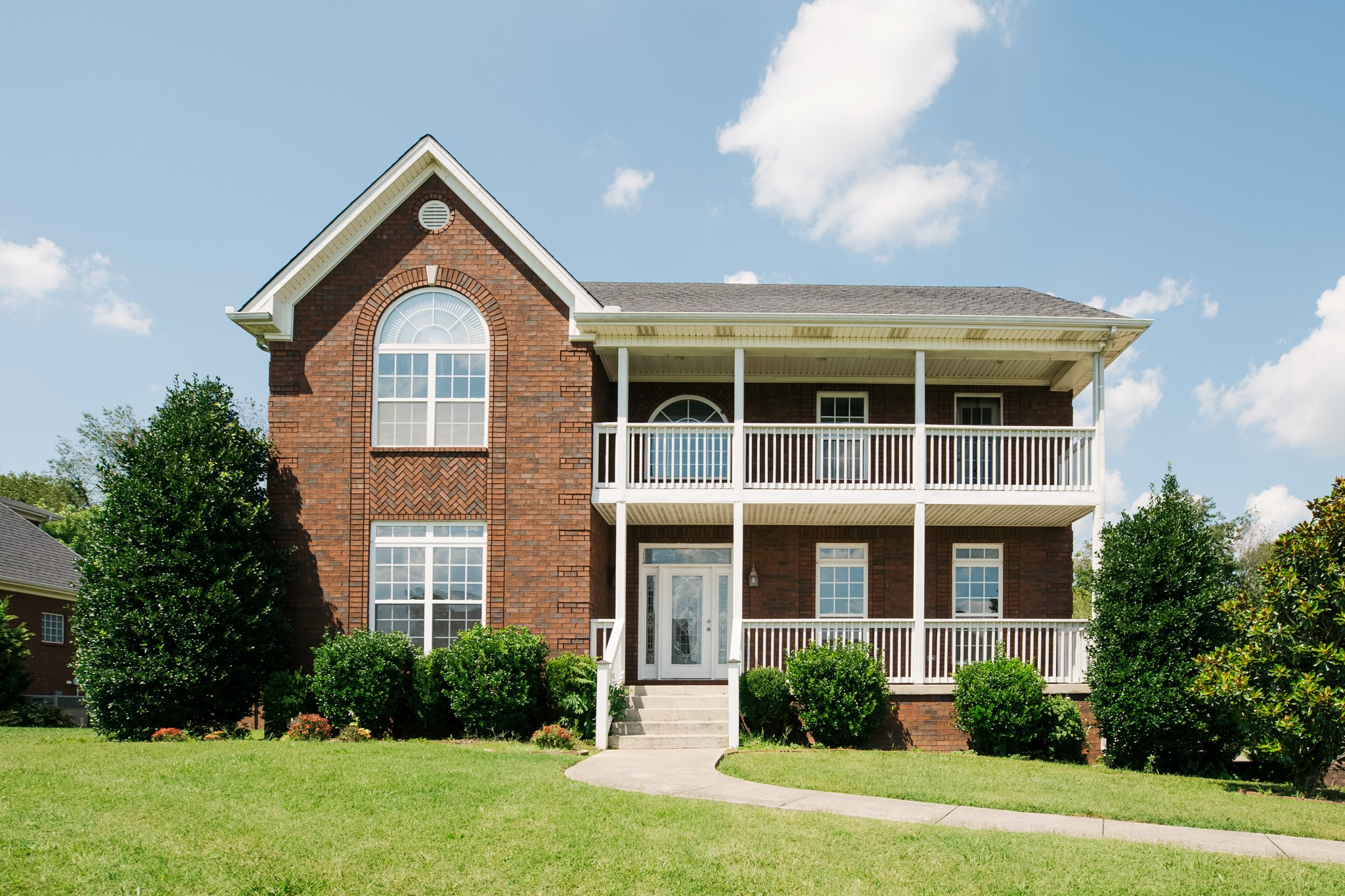 $378,900 - 4Br/4Ba -  for Sale in Oak Pointe Phase Four, Pleasant View