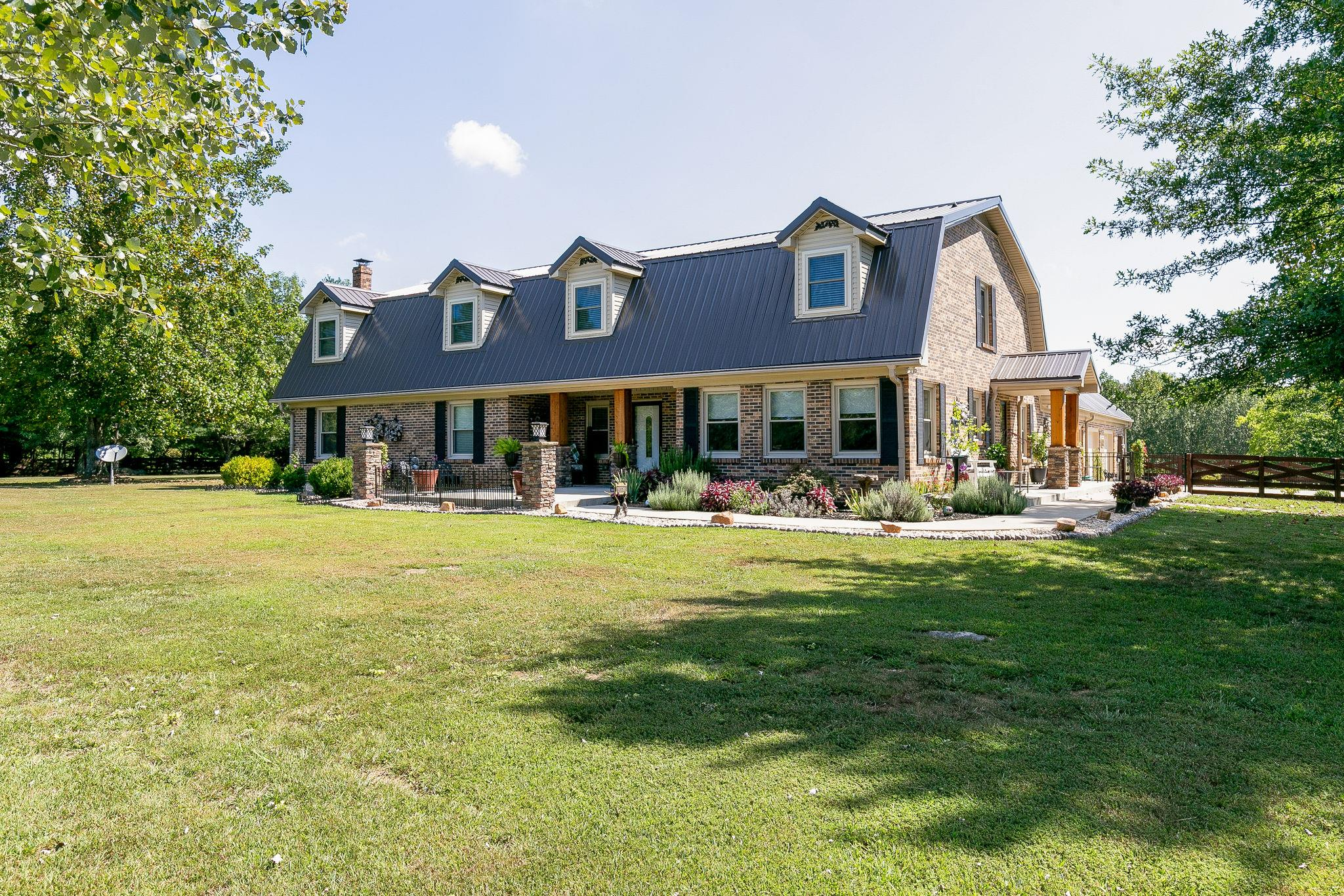 $765,000 - 6Br/5Ba -  for Sale in None, Spring Hill