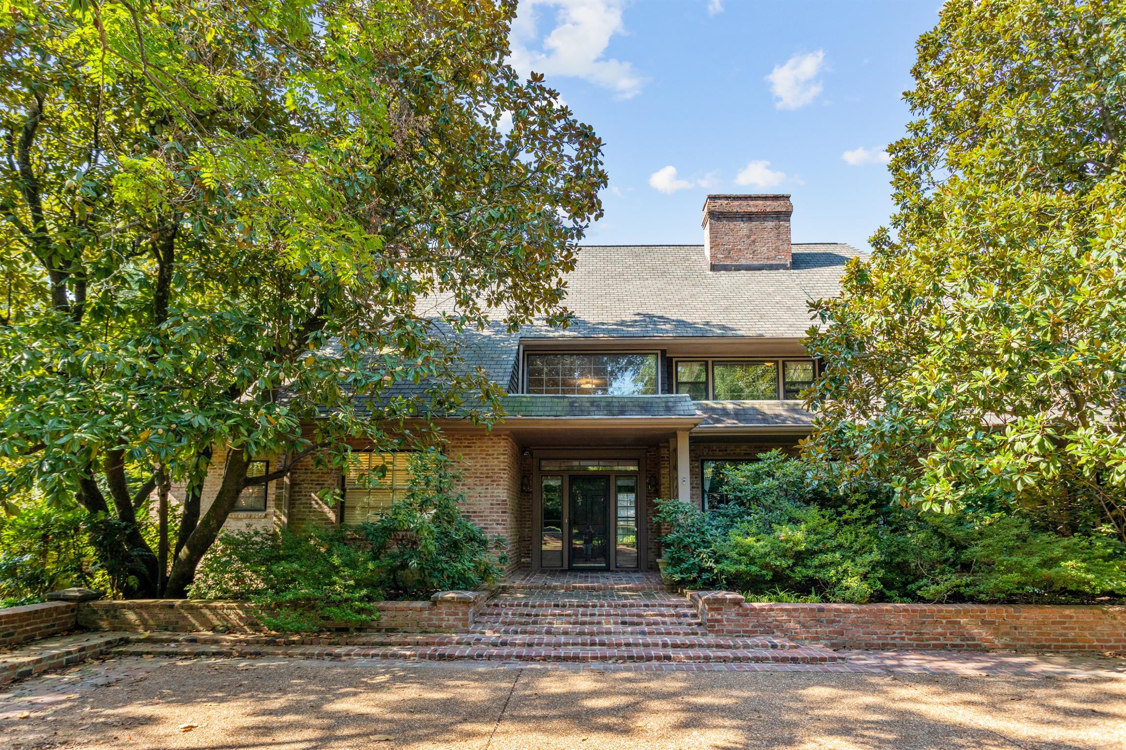 $2,950,000 - 7Br/10Ba -  for Sale in Belle Meade, Nashville