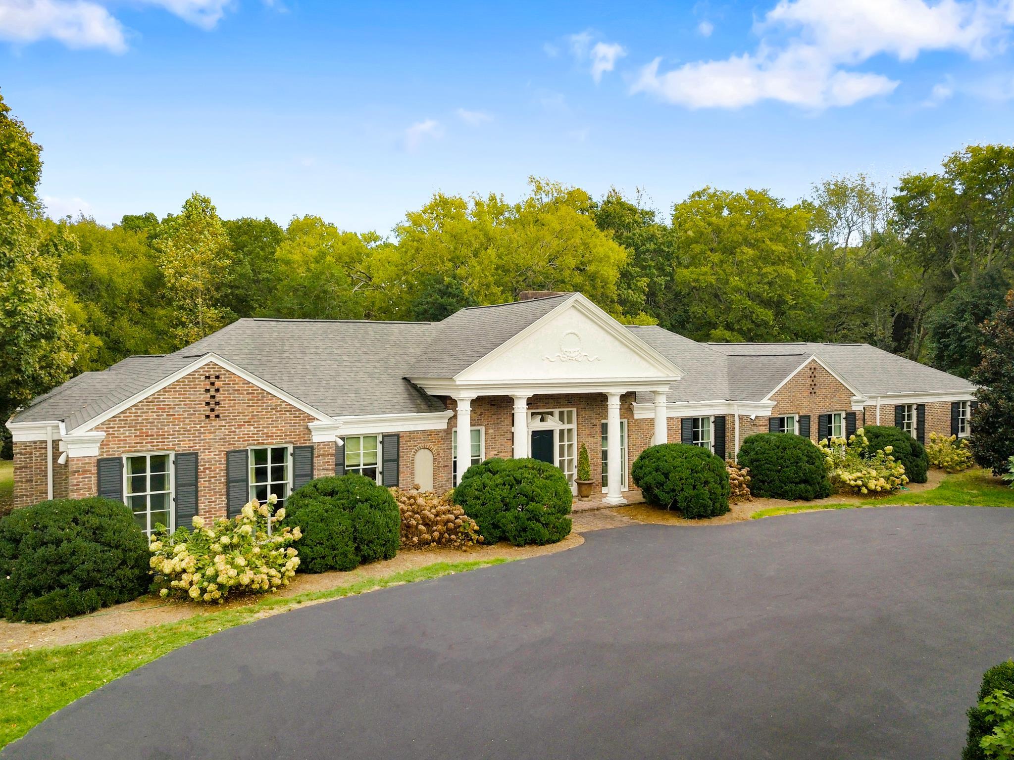 $2,595,000 - 4Br/6Ba -  for Sale in Belle Meade, Nashville