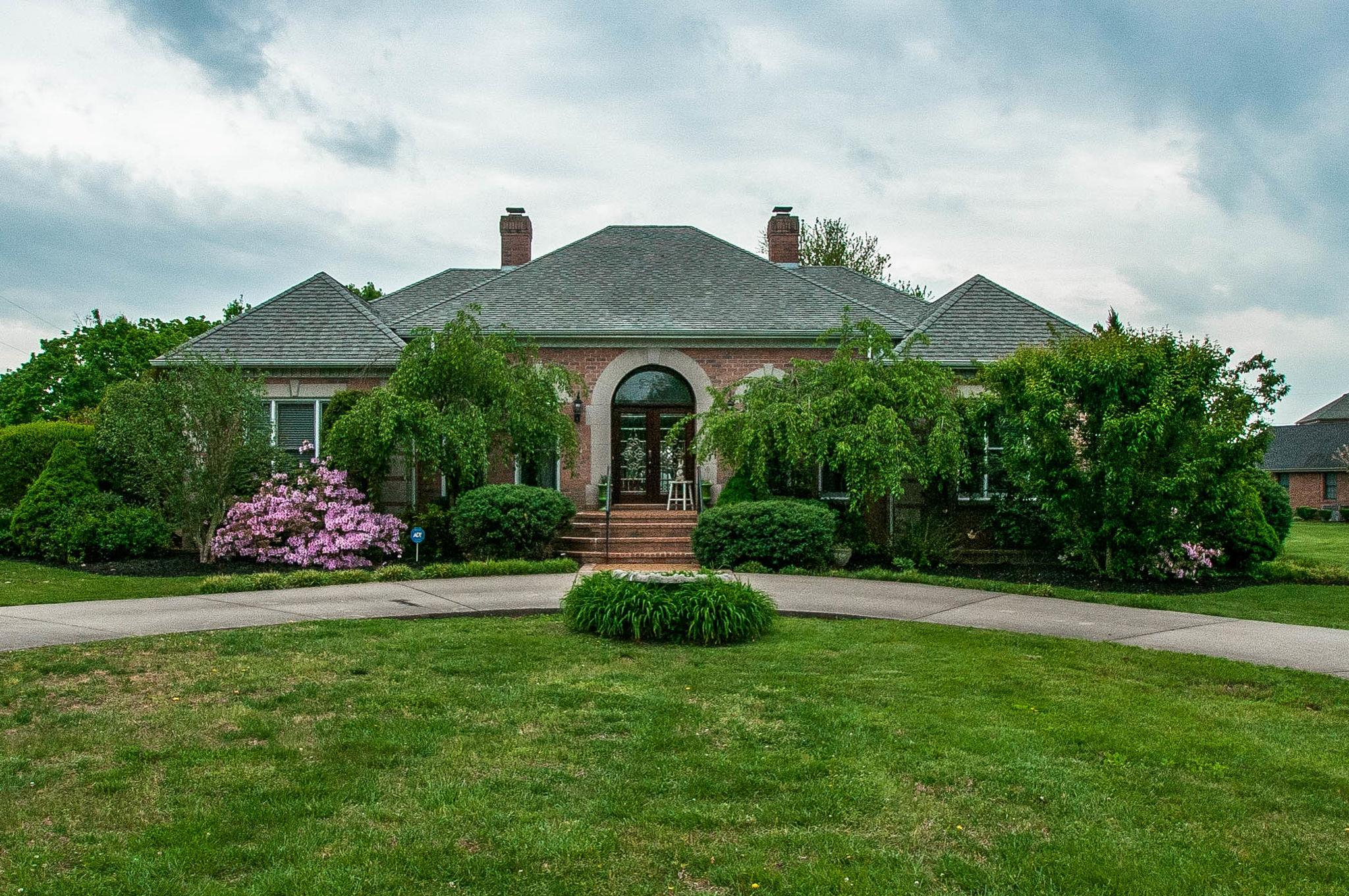 $499,000 - 4Br/4Ba -  for Sale in Mooreland Estates Sec 8-a, Springfield