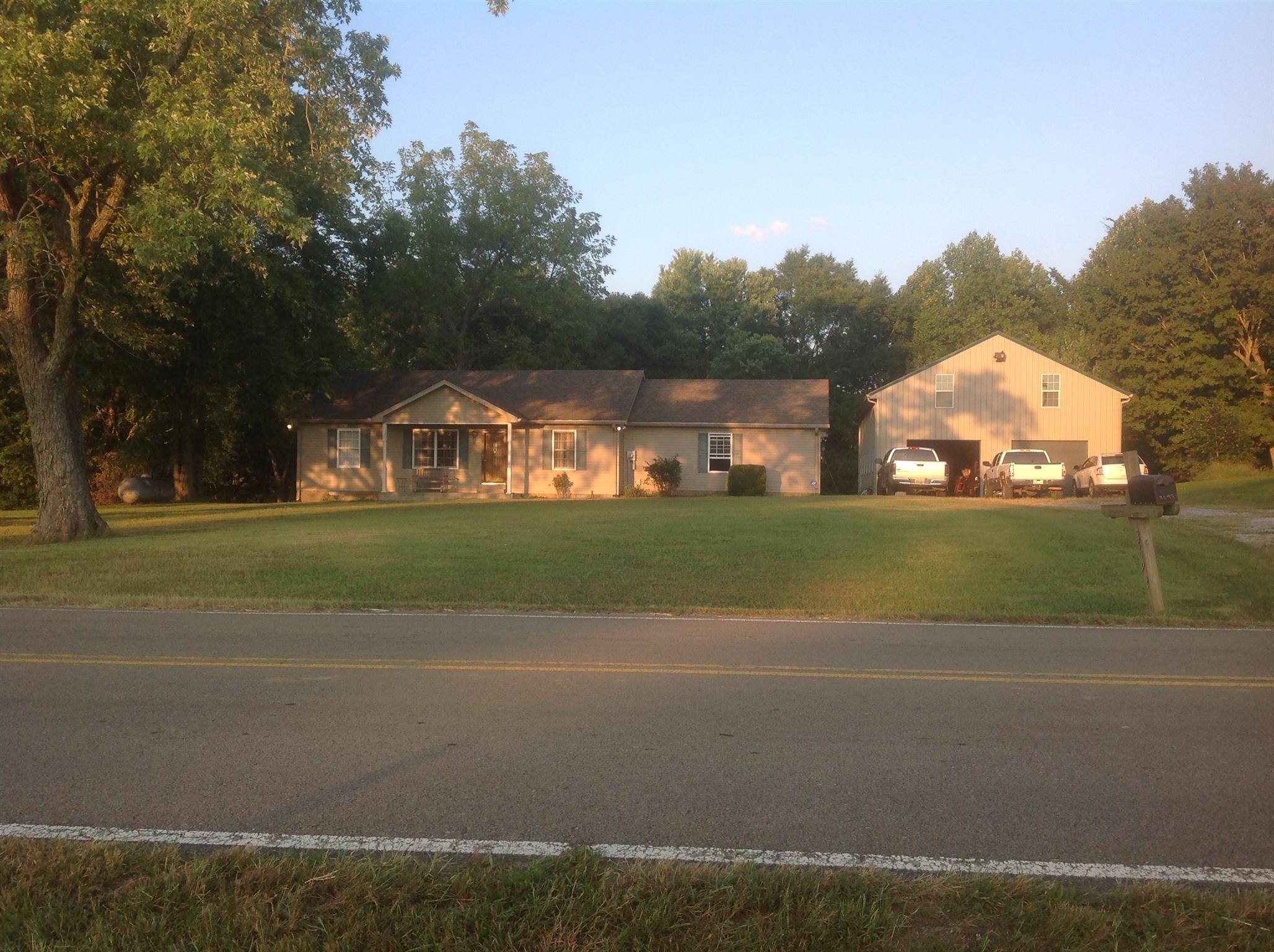 $240,000 - 3Br/2Ba -  for Sale in Na, Cedar Hill