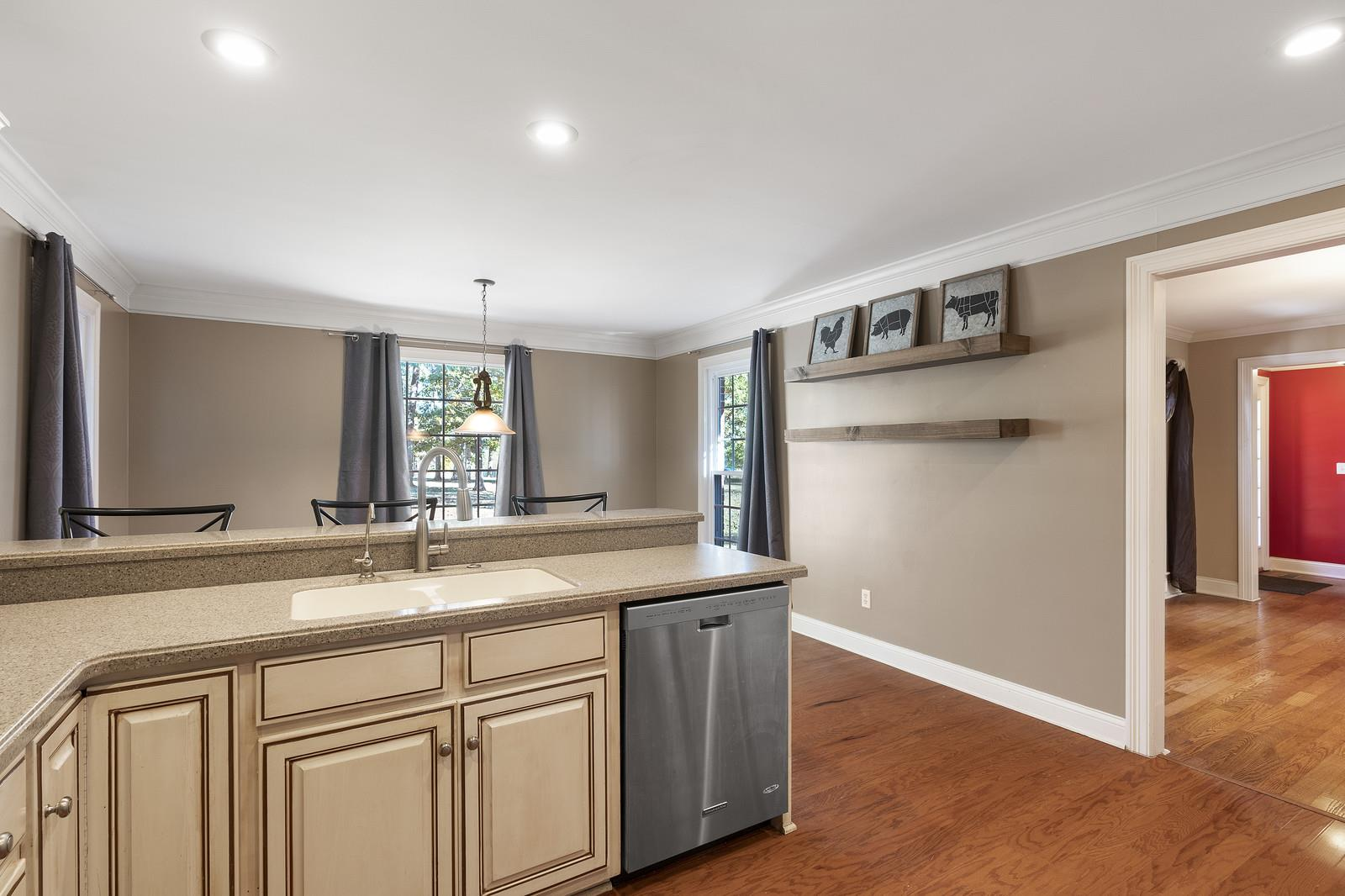 $376,000 - 3Br/3Ba -  for Sale in L&w Properties Llc Splits, Portland