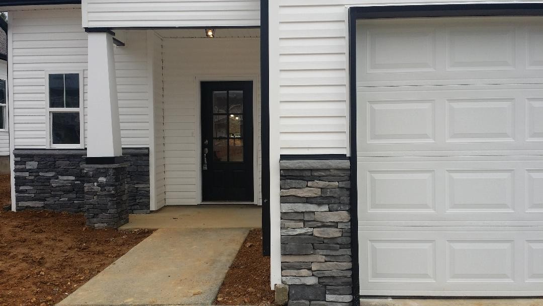 $229,990 - 3Br/2Ba -  for Sale in Village Green, Springfield