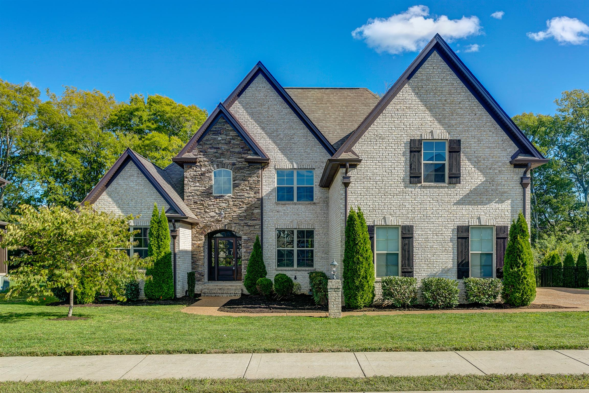 $619,900 - 6Br/5Ba -  for Sale in Autumn Ridge Ph5, Spring Hill