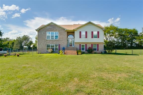 $389,900 - 3Br/3Ba -  for Sale in N/a, Springfield