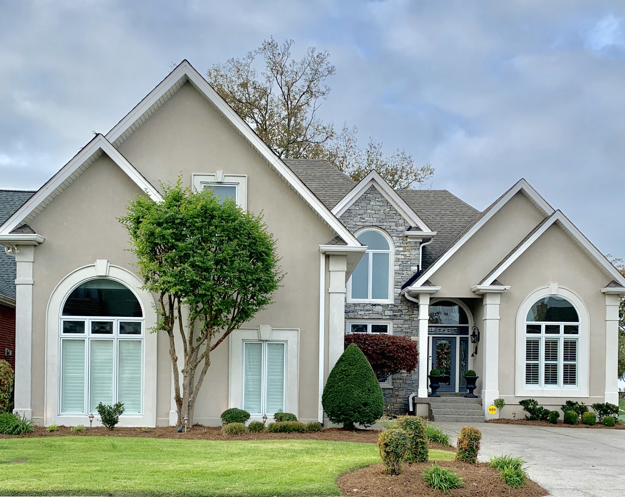 $989,900 - 4Br/5Ba -  for Sale in Villas Of Lakemeade, Old Hickory