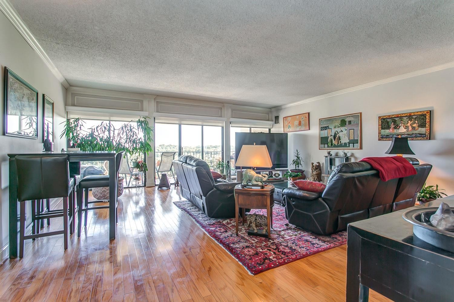 $489,000 - 3Br/3Ba -  for Sale in Wessex Towers, Nashville