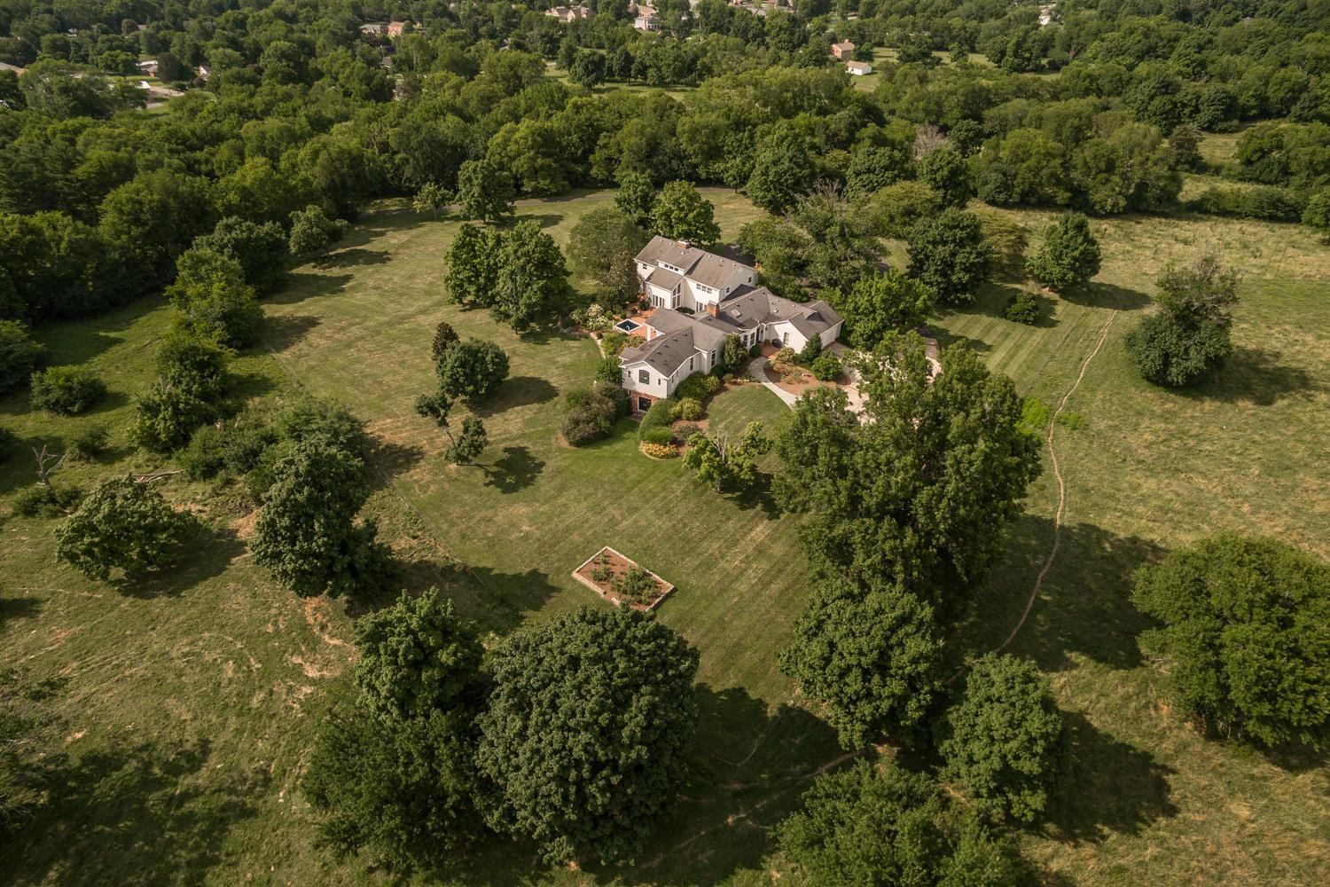 $899,900 - 6Br/5Ba -  for Sale in Na, Gallatin