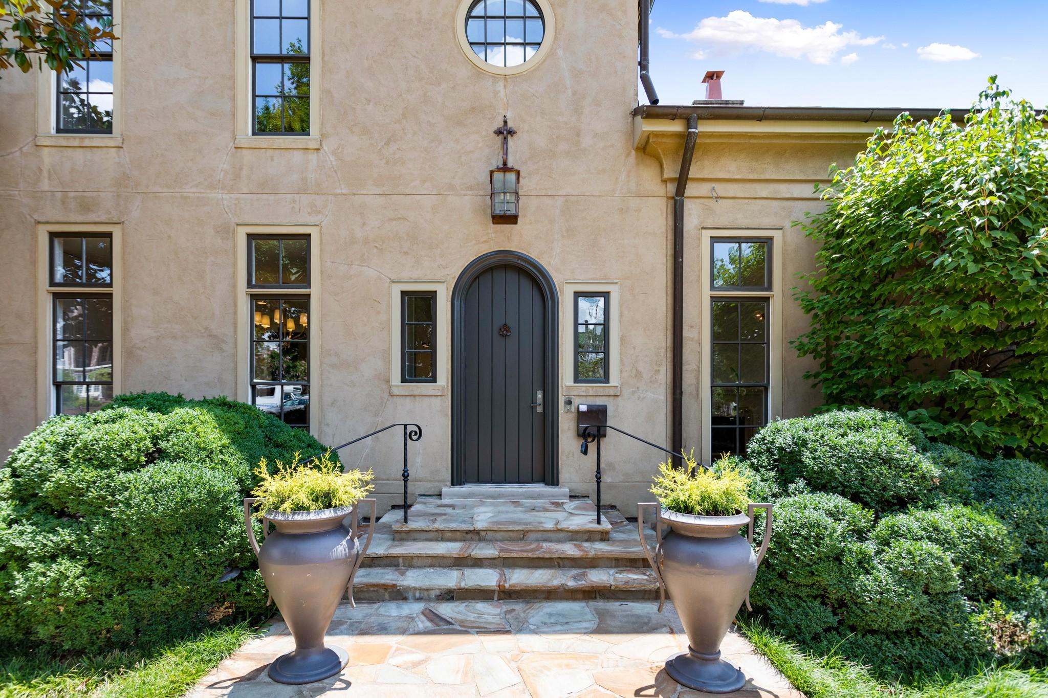 $1,595,000 - 3Br/4Ba -  for Sale in Craighead, Nashville