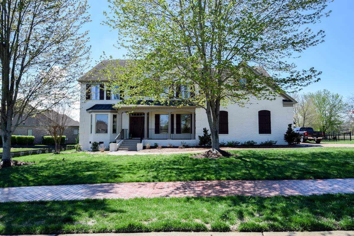 $729,900 - 4Br/3Ba -  for Sale in Fairvue Plantation, Gallatin