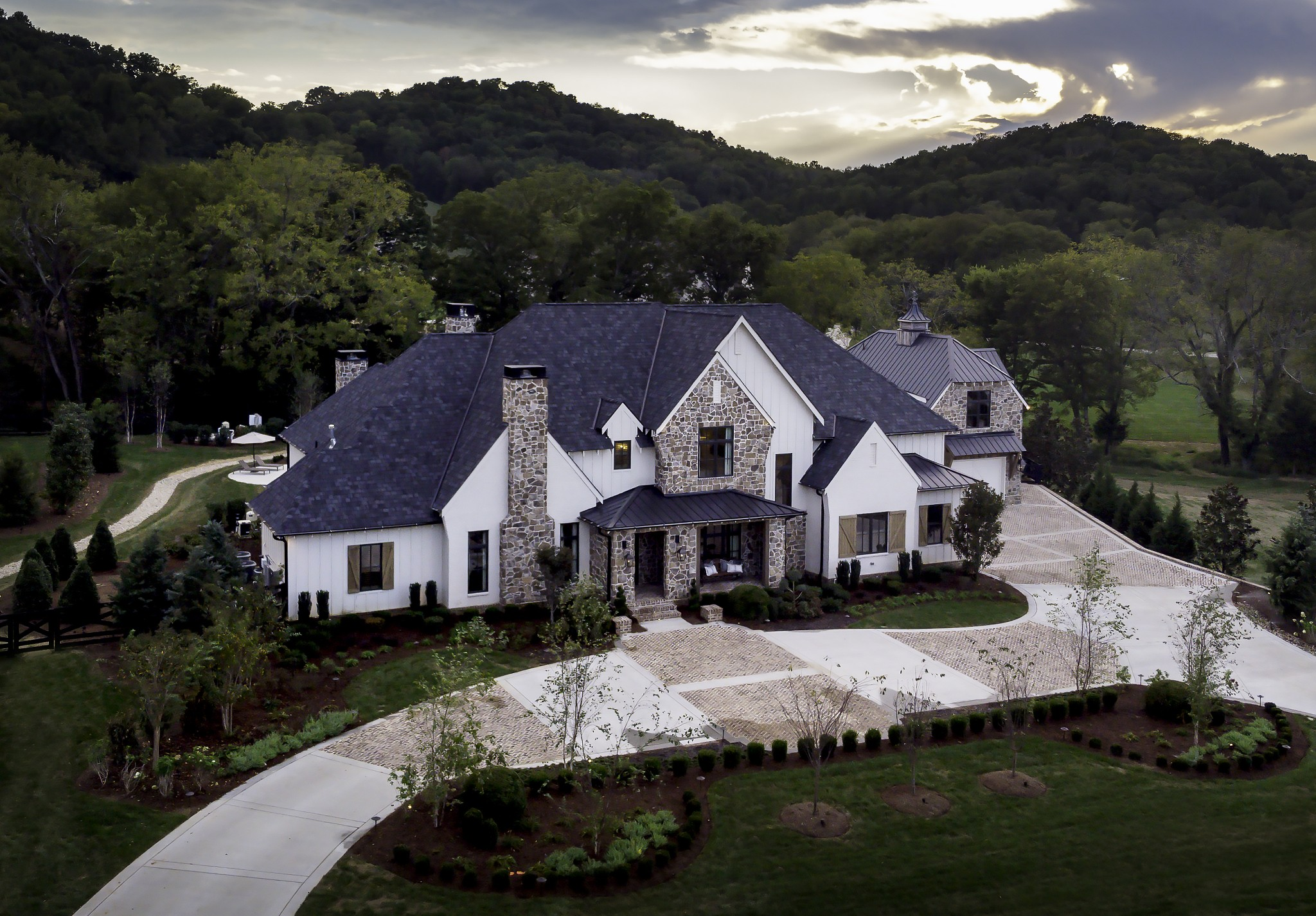 $4,899,900 - 5Br/9Ba -  for Sale in Cartwright Close, Brentwood